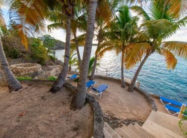 villa-beach-1024x684