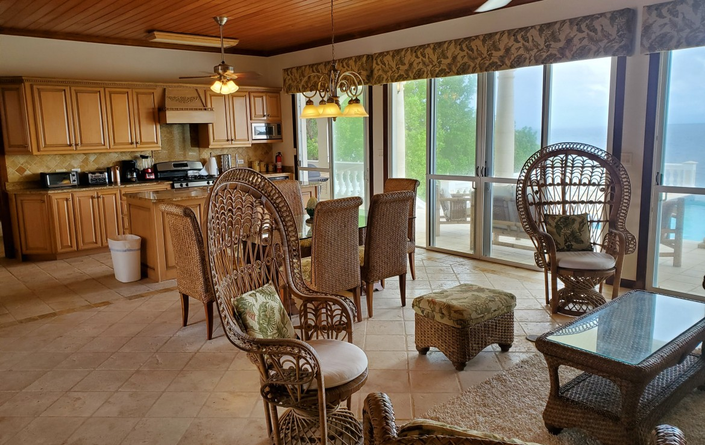 Living Room & Kitchen NW Corner